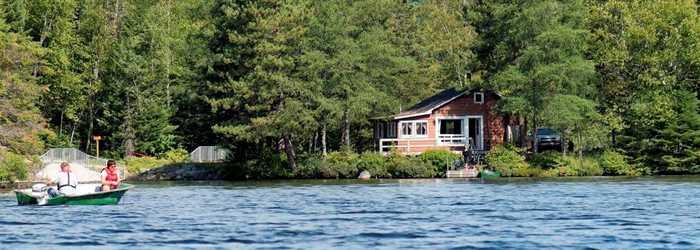 Chalet et lac Zec Lavigne
