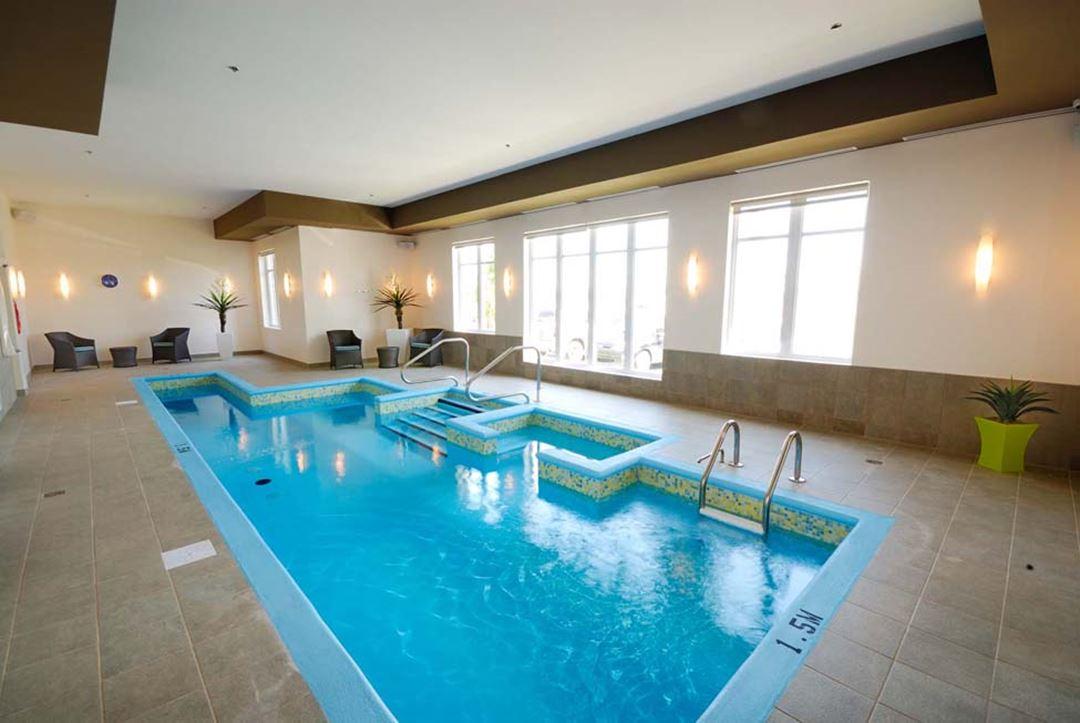 Imperia-hotel-piscine