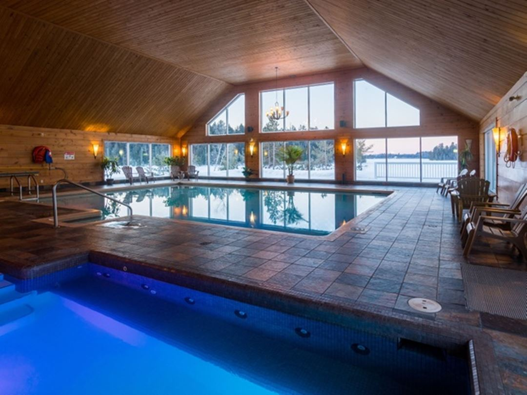 Pool and spa Pourvoirie du Lac Blanc