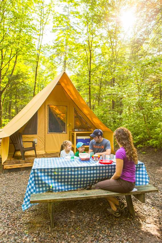 Ready-to-Camp tent in Parc national du Mont-Tremblant