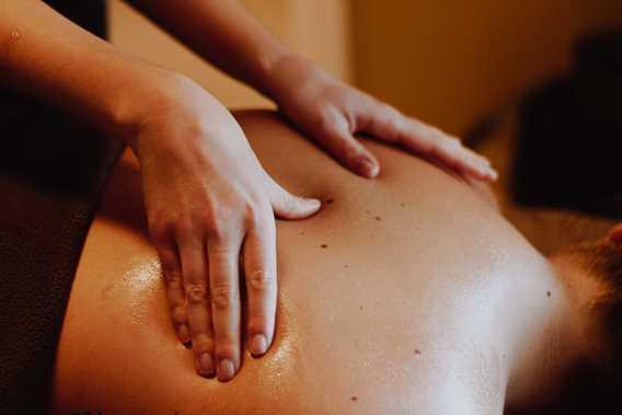 Massage au Spa Santé Corps et Âme