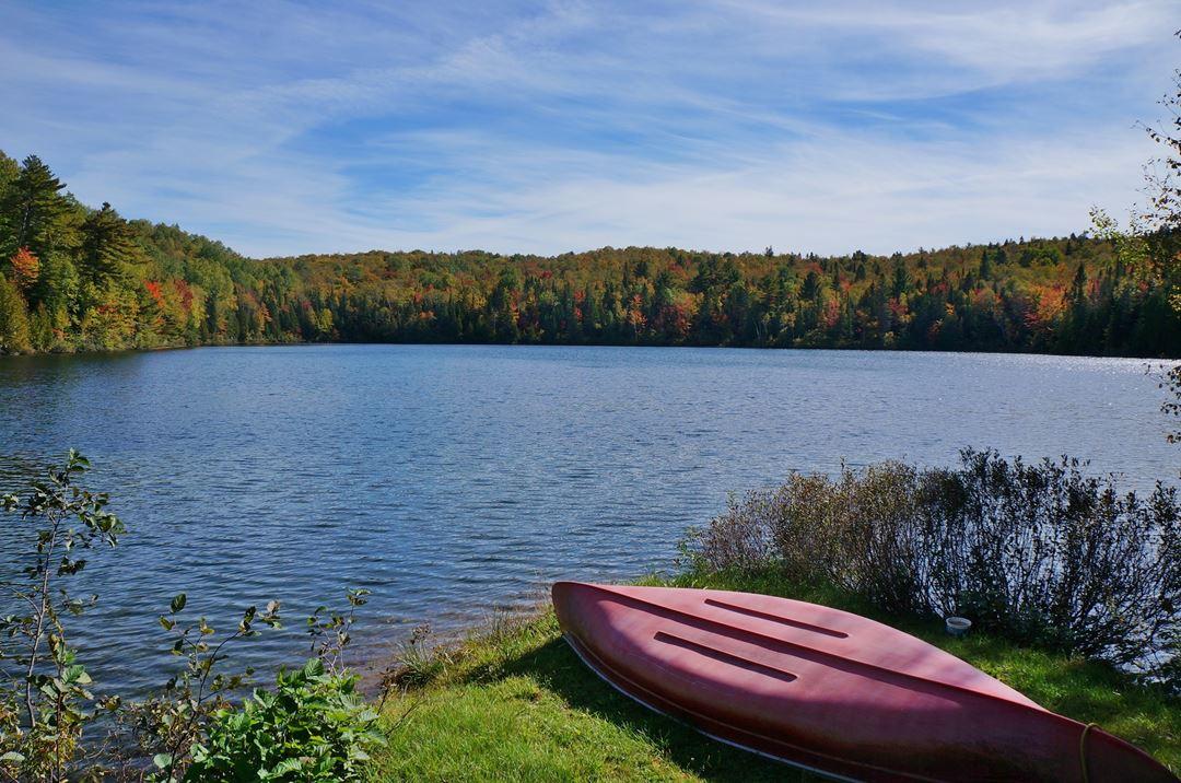 Auberge-du-Lac-Priscault-lac-ete
