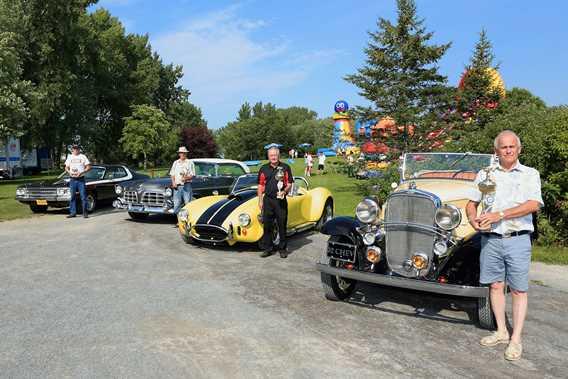 Exposition d'autos anciennes de Repentigny