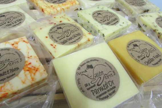 Cheddar cheese from Ferme Vallée Verte