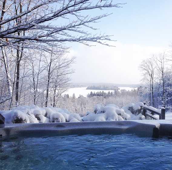 Spa in winter Chalets Évasion