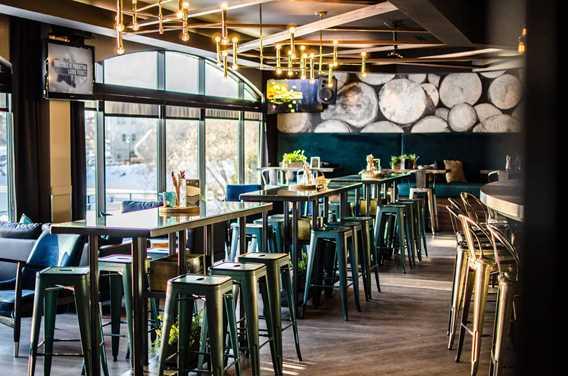 Bar Table G Château Joliette