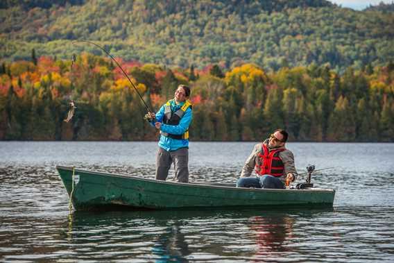 Fishing at Pourvoirie du Lac Croche