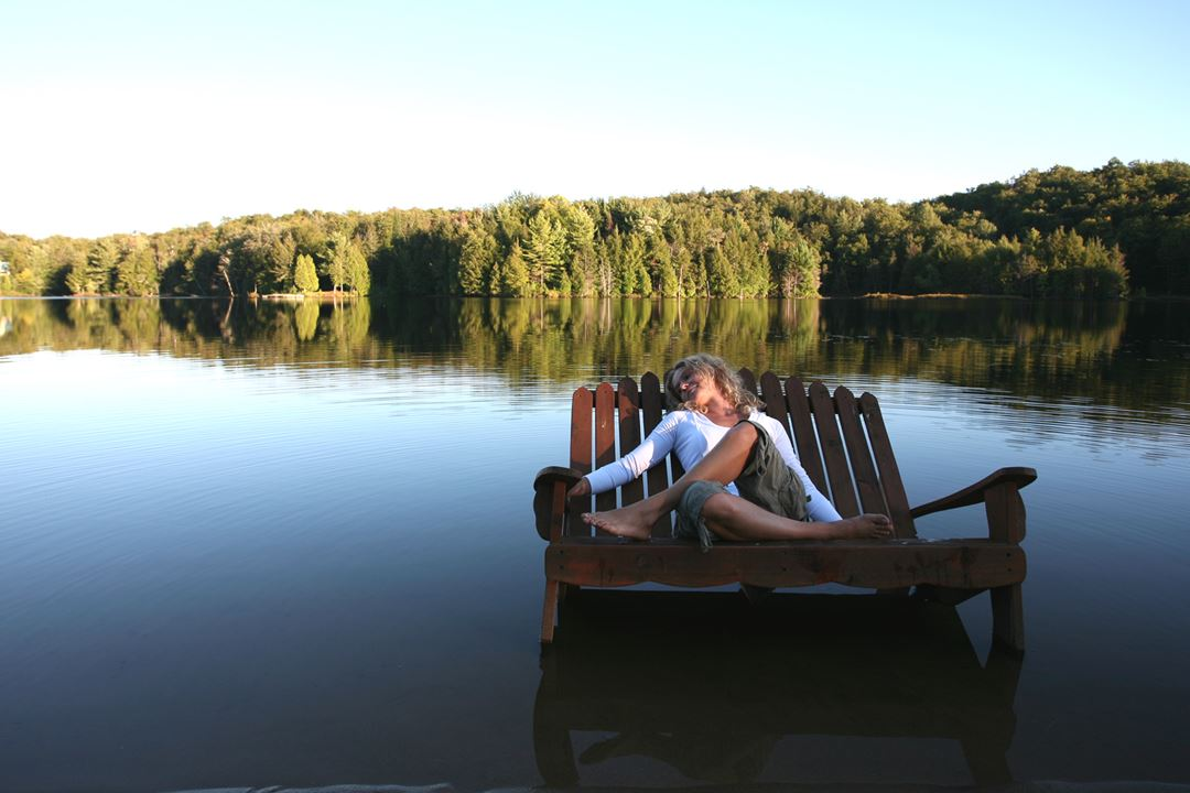 Relaxing at Chalets des Pins
