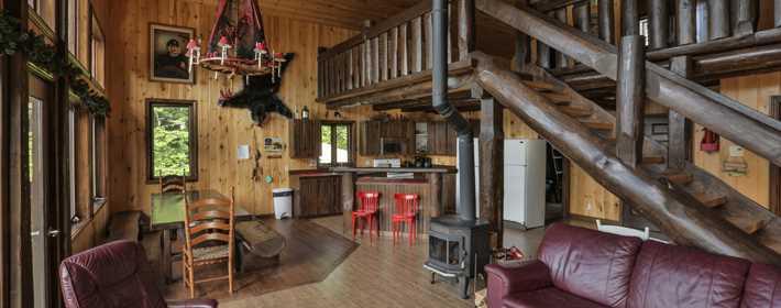 Inside a cottage at Pourvoirie St-Zénon