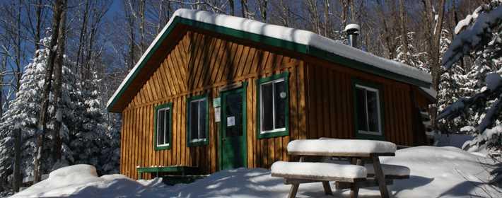 Un refuge dans le Domaine du parc de la forêt ouareau