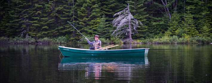 Fishing in an outfitting at Saint-Michel-des-Saints