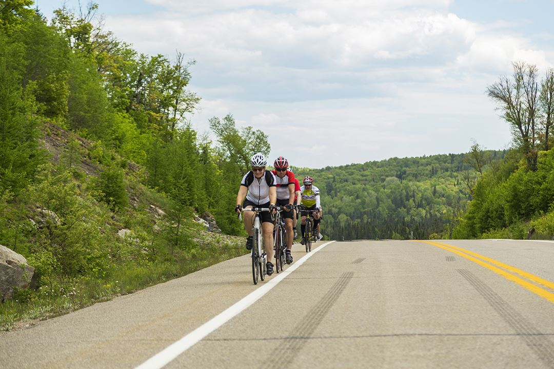 Ride a bike with friends in Lanaudière