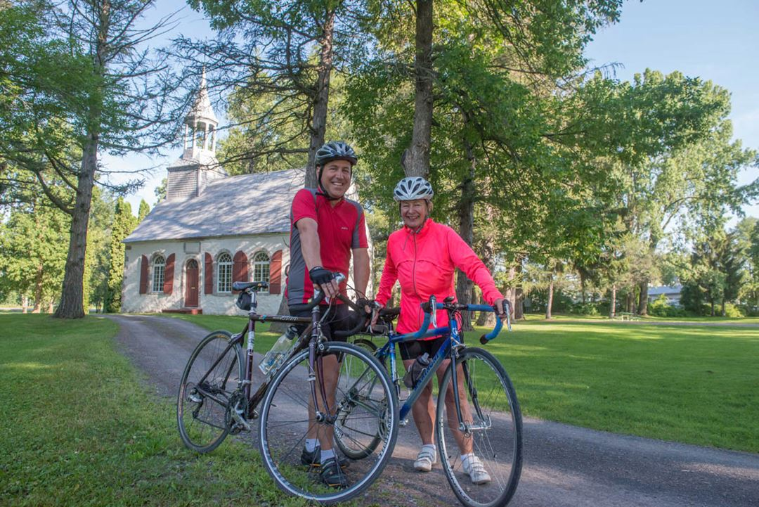 Cycling on the Chemin du Roy and visit the Cuthbert Chapel
