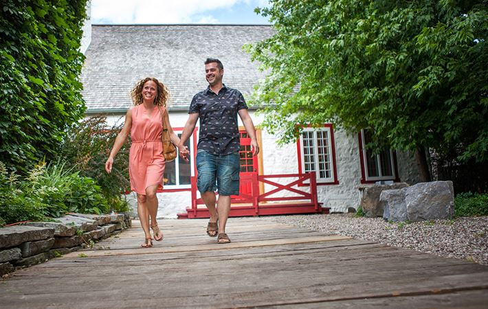 Take a walk in thee Vieux-Terrebonne with your partner