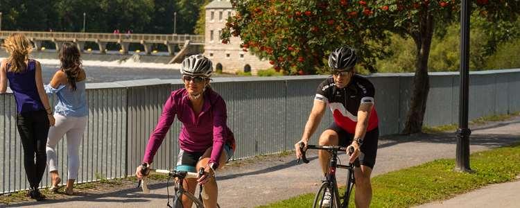 Bicycling at l'Île-des-Moulins