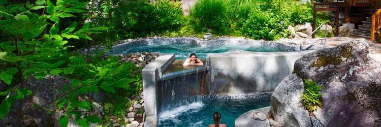 La Source Bains Nordiques en été