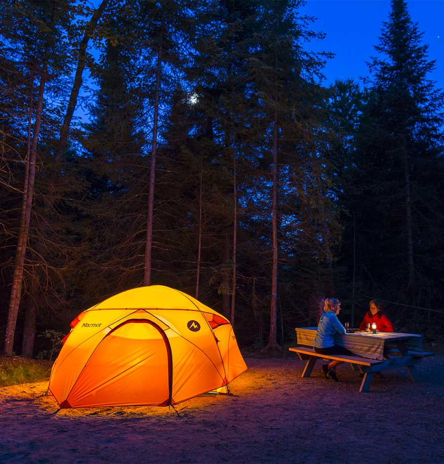 2 people camping